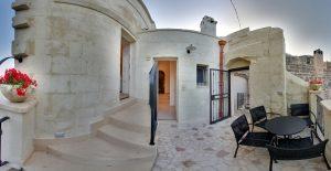 Matera-Palazzo-degli-Abati-Boutique-Hotel-dormire-in-grotta-terrazza-panorama